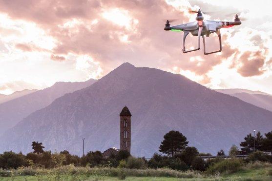 dron dji phantom f300