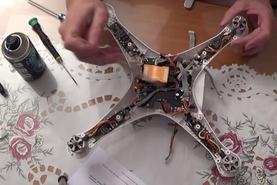 Oprava dronu Phantom 2 F 306