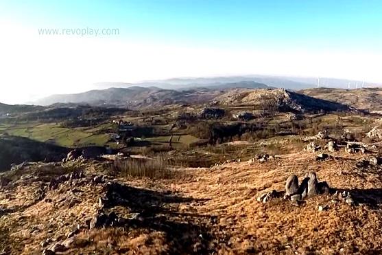 Úžasná portugalská krajina pohledem dronu | Zdroj: video