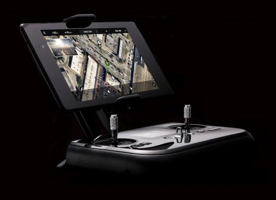Ovládání s držákem pro smartphone/tablet | Zdroj: 3drobotics.com