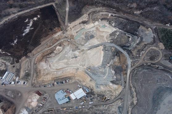 Pohled na povrchový důl z dronu | Zdroj: dji.com