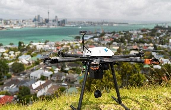 Záchranný dron firmy Flirtey | Zdroj: stuff.co.nz