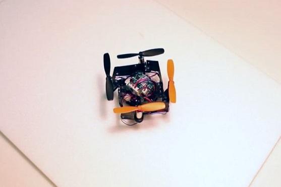Skládací mini kvadrokoptéra | Zdroj: video