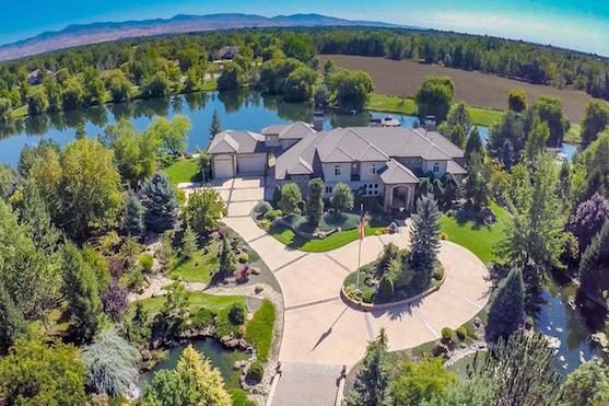 Záběr z dronu na luxusní nemovitost | Zdroj: dji.com