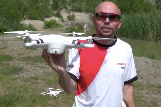 Kvadrokoptéra DJI Phantom bez podvozku, pouze s kompasem a GPS | Zdroj: droncentrum