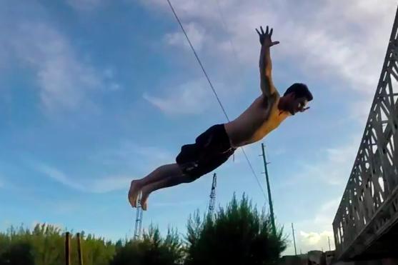 Jeden z okamžiků, které mohl Ryan C pomocí dronu DJI zachytit | Zdroj: video