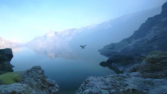Kvadrokoptéra DJI Phantom 3 Professional nad jezerem | Zdroj: dji.com