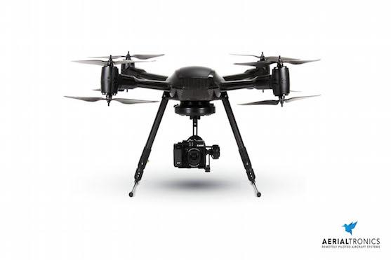 Dron Altura Zenith ATX 8 využívaný k řízení dopravy | Zdroj: aerialtronics.com