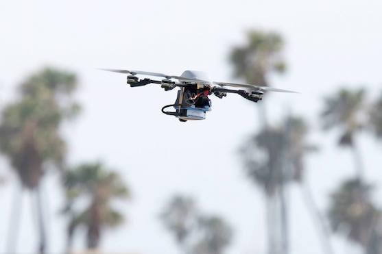 V oblacích létá stále více bezpilotních letounů, známých spíše jako drony | Zdroj: facebook.com - NASA