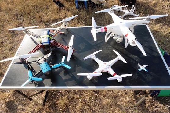 Kvadrokoptéry: DJI F450, DJI 315 Phantom 2 Vision +, Parrot Bebop, T2M Spyrit a LRP H4 Gravit NANO | Zdroj: droncentrum