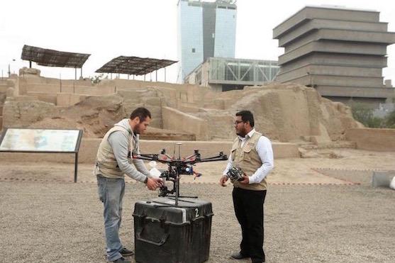 Příprava oktokoptéry před leteckým snímkováním | Zdroj: droneblog.com