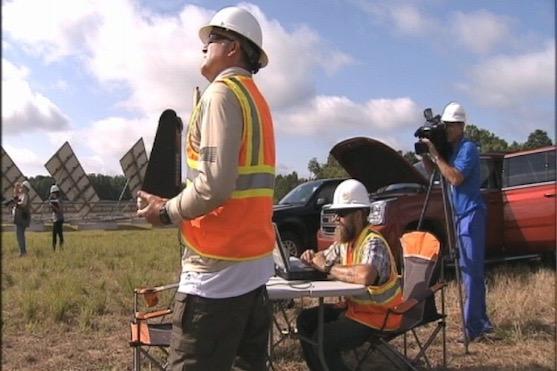 Pracovníci společnosti Duke Energy při testování dronu | Zdroj: wsoctv.com