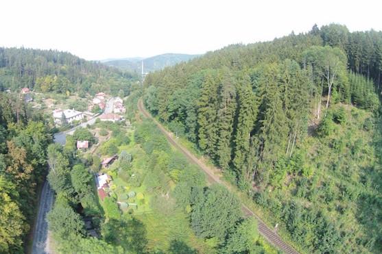 Údolí, které jsem si vybral pro natočení jedoucího vlaku | Zdroj: droncentrum
