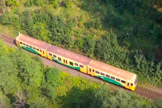 Vlak, který byl hlavním objektem při točení Phantomem | Zdroj: droncentrum