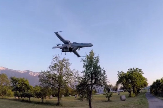 Star Wars dron X-Wing Incom T-70 při neohroženém letu | Zdroj: rcgroups.com - Olivier C