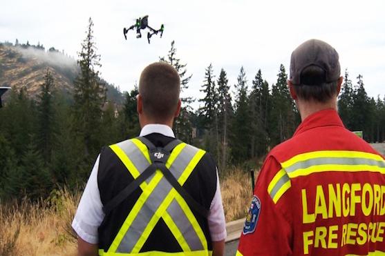 Členové hasičského sboru testovali dron při záchranné operaci | Zdroj: ctvnews.com