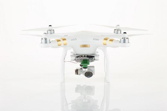 Vylepšená kvadrokoptéra Phantom 3 Professional | Zdroj: sentera.com