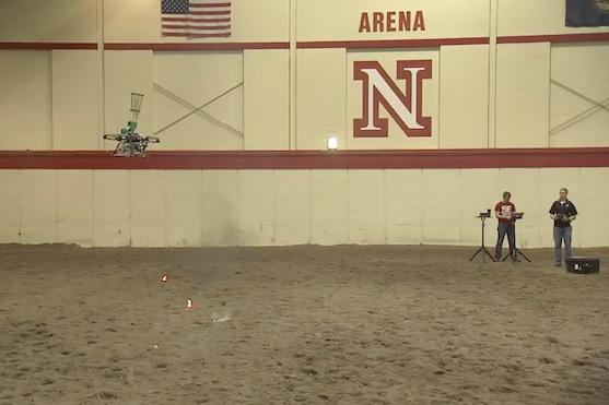 Tento dron bude cíleně zakládat lesní požáry | Zdroj: video