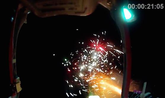 Hořící fontána - záběr z onboard kamery | Zdroj: droncentrum