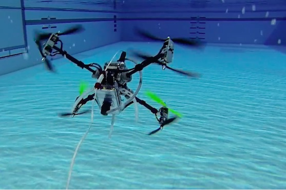 Obojživelný dron z Rutgers University | Zdroj: video