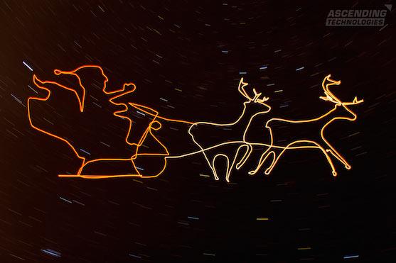 Santa Claus se sobím spřežením | Zdroj: asctec.de