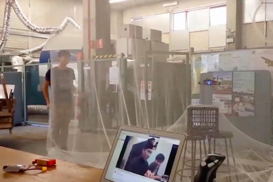 Studentům ze Sydney a Texasu se podařilo ovládat dron na vzdálenost 13 tisíc kilometrů | Zdroj: video